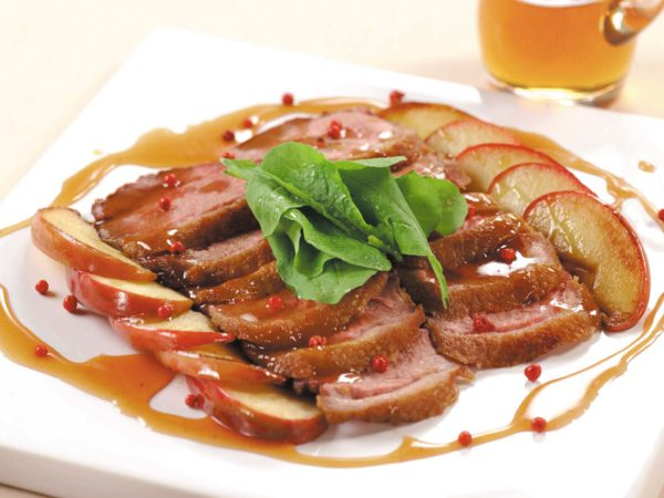 Recette — Canard et pommes sautés dans une sauce au sirop d'érable