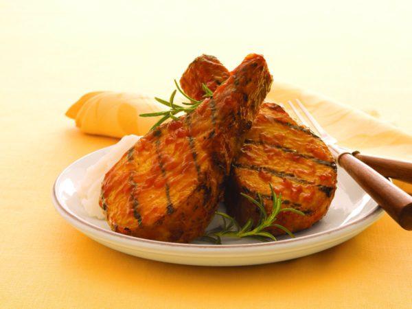 Recette — Côtelettes de porc grillées au chipotle et à l'érable