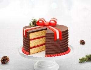 Gâteau à l'érable, aux fraises et au chocolat