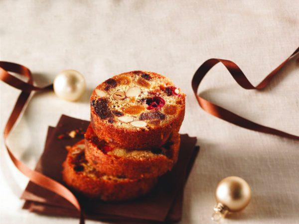 Recette — Gâteau moelleux aux fruits, aux noix et à l'érable