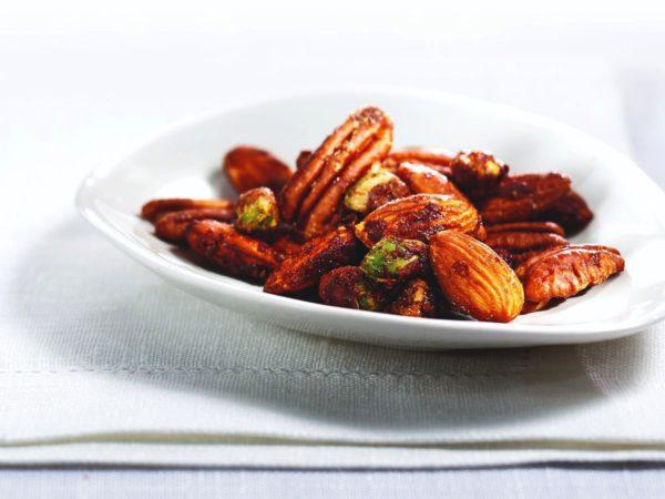 Recette — Noix de Grenoble, amandes, pacanes et pistaches aux épices et à l'érable