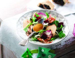 Salade de légumes et de fruits secs, vinaigrette à l'érable