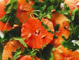 Salade de pamplemousses roses à la vanille et à l'érable