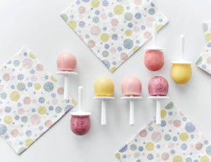 Sucettes glacées aux fruits et à l'érable
