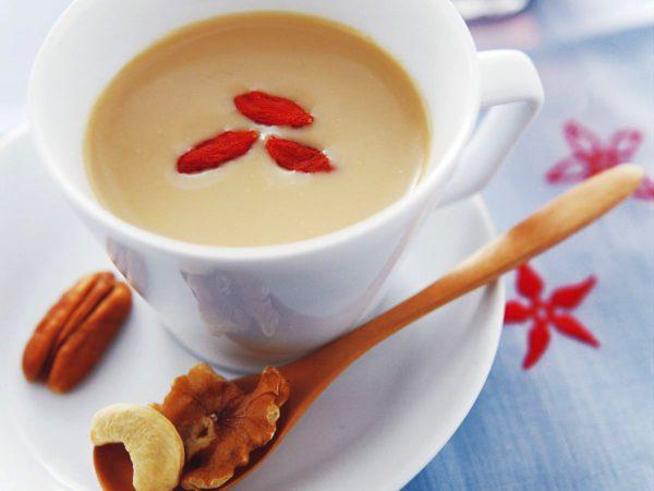 Recette — Thé Oolong au lait et au sirop d'érable