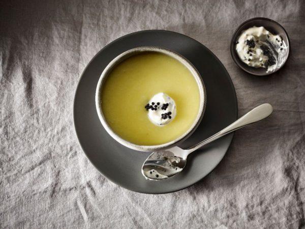 Recette — Velouté de betteraves blanches à l'érable, crème au caviar
