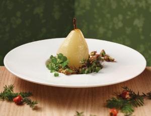 Poires à l'eau d'érable farcies au foie gras